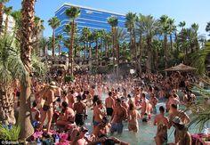 hot, hot, hot: Rehab pool party at Hard Rock Hotel Las Vegas. The good old days. :)