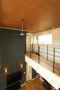 Corridor % #木目天井 Atrium, Modern Minimalist, Track Lighting, House Plans, Mid Century, Ceiling Lights, Interior, Room, Home Decor