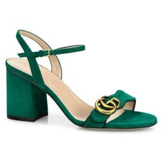 Gucci Marmont Suede Block Heel Sandals (2.300 RON) ❤ liked on Polyvore featuring shoes, sandals, green, green sandals, suede leather shoes, fleece-lined shoes, gucci and block heel shoes