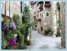 """Sainte-Eulalie d'Olt (Aveyron), classé """"un des plus beaux villages de France"""""""