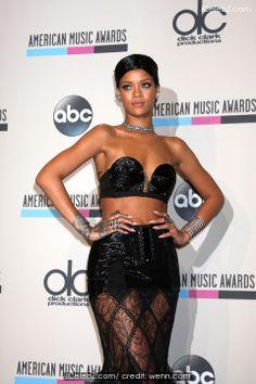 Rihanna reveals was shocked to win Grammy http://www.icelebz.com/gossips/rihanna_reveals_was_shocked_to_win_grammy/