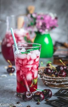 This summer, raise the flavor level by pairing Ghirardelli Intense Dark Chocolate with this naturally hydrating & thirst-quenching Cherry Lemon Iced Tea! Drinks Alcohol Recipes, Non Alcoholic Drinks, Yummy Drinks, Cocktail Recipes, Drink Recipes, Fruit Recipes, Summer Recipes, Holiday Recipes, Indian Food Recipes