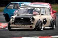Racing mini with side exhaust Mini Cooper Classic, Classic Mini, Classic Cars, Touring, Austin Mini, Mini Copper, Mini One, Modified Cars, Small Cars