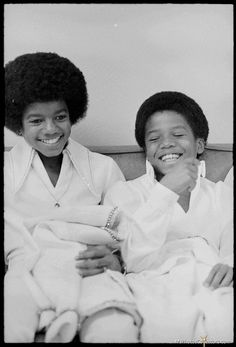 Michael and Randy Jackson - Jackson 5 Era Randy Jackson, Young Michael Jackson, Michael Jackson Fotos, The Jackson Five, Jackson Music, Jackson Family, Tito Jackson, George Michael, Paris Jackson