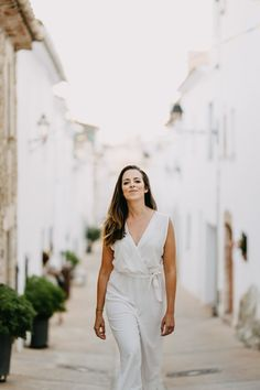 Portraying Alix for her website - a casual pose, showing some movement, natural. Ethical Brands, Photography Branding, Landscape Photographers, Golden Hour, Personal Branding, White Dress, Photoshoot, Poses, Website