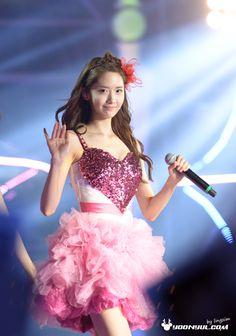 #Yoona #윤아 #ユナ#SNSD #少女時代 #소녀시대 #GirlsGeneration 131109 HK concert