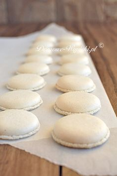 Macarons Fruit Recipes, Sweet Recipes, Cookie Recipes, Dessert Recipes, Lemon Desserts, Delicious Desserts, Yummy Food, Kolaci I Torte, Polish Recipes