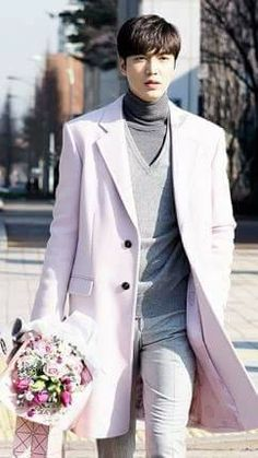 Lee Min Ho in The legend of Blue sea Korean Star, Korean Men, Asian Men, City Hunter, Jung So Min, Boys Over Flowers, Asian Actors, Korean Actors, Heo Joon Jae