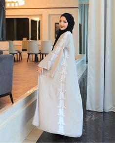 Image uploaded by أمل. Find images and videos about girls, muslima and arabian on We Heart It - the app to get lost in what you love. Modest Fashion Hijab, Abaya Fashion, Fashion Dresses, Mode Abaya, Mode Hijab, Islamic Fashion, Muslim Fashion, Modern Islamic Clothing, Eid Outfits