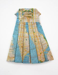 "Elisabeth Lecourt ""Le premier pas"", map of New York, 2010 594 x 841 x 30 mm Teaching Maps, Stolen Image, Map Of New York, Poster Art, Origami, Elisabeth, Vintage Maps, Recycled Art, Textiles"