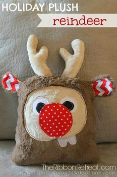 Holiday Plush Reindeer - The Ribbon Retreat Blog How cute is this? Need one of these, it looks like the sewing machine is coming out!!!!