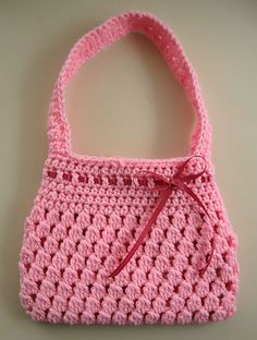 Free Crochet Pattern: Bobble-licious Bag~ This is a quick little bag, perfect for a small child. Crochet Purse Patterns, Crochet Tote, Crochet Handbags, Crochet Purses, Knit Or Crochet, Cute Crochet, Crochet Crafts, Crochet Baby, Crocheted Bags