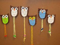 Avaimenperä huovasta, nauha on punottu, pöllön sisällä on metallinen… School Art Projects, Sewing Projects For Kids, Crafts For Kids, Arts And Crafts, Paper Crafts, Owl Activities, Autumn Activities, Holiday Club, Crafty Kids