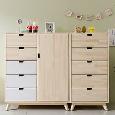 plywood furniture Organizing can also be fun! Circu furniture offers the most amazing inspiring designs for kids bedroom! Steel Furniture, Farmhouse Furniture, Plywood Furniture, Ikea Furniture, Shabby Chic Furniture, Furniture Making, Luxury Furniture, Furniture Makeover, Vintage Furniture