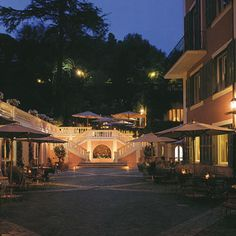 Hotel De Russie - Rome. How gorgeous... Maybe a few days here before our cruise in May 2013...?