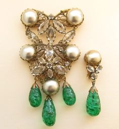 SCHREINER NEW YORK FAUX EMERALD PEARL PIN BROOCH EARRING SET