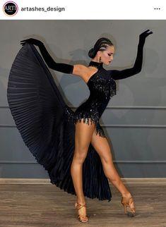 Latin Dance Dresses, Latin Dance Costumes, Salsa Dress, Tango Dress, Ballroom Dance Dresses, Salsa Dancing, Dance Poses, Figure Skating Dresses, Dance Outfits
