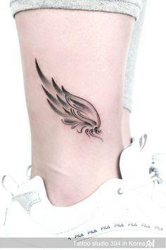 Tattoos Verse, Tattoo Femeninos, Tattoo Hals, Make Tattoo, Tattoo Angel Wings, Chest Tattoo, Mini Tattoos, Leg Tattoos, Body Art Tattoos