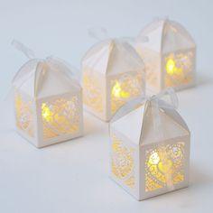 25 x White Laser Cut Heart Lanterns LED Tea Light Candle Wedding Favour Boxes