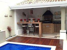 Hot Tub Backyard, Small Backyard Pools, Architect Design House, House Design, Kleiner Pool Design, Classic House Exterior, Small Pool Design, Backyard Pool Designs, Outdoor Kitchen Design