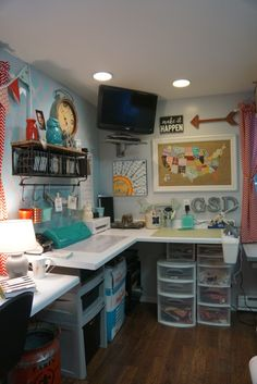 Lately I have been asked by several of you over oninstagramto see more of my craft room, so yesterday after finishing a big project and getting my room all cl