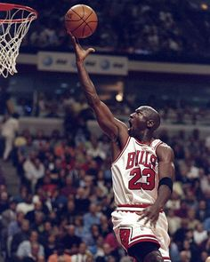 Michael Jordan had triple-doubles in seven consecutive games in 1989 Basketball Pictures, Love And Basketball, Basketball Legends, Sports Basketball, Basketball Players, United Center, Chicago Bulls, Michael Jordan Images, Illinois