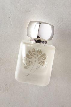 Rouge Bunny Rouge Eau De Parfum  ||  Vespers: freshly crushed leaves, cinnamon and apple drift through vanilla and musk
