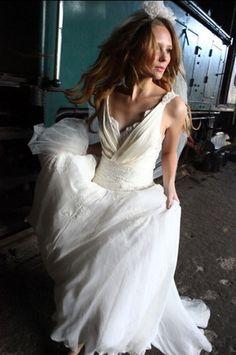 Lindo detalhe do busto. emannuelle junqueira vestidos de noiva 2012 - Pesquisa Google