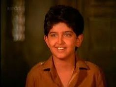 little Hrithik Roshan - I think he somehow looks like Ellen here. Indian Bollywood Actors, Bollywood Images, Vintage Bollywood, Bollywood Stars, Bollywood Celebrities, Pakistani Actress, Bollywood Actress, Bollywood Baby Shower, Peter Pan Syndrome
