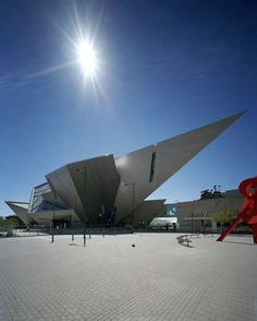 Denver Art Museum, designed as a joint venture by Studio Daniel Libeskind and Denver firm Davis Partnership Architects