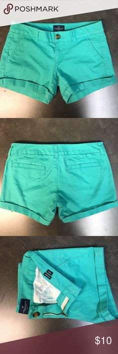 """AMERICAN EAGLE 🦅  """"MIDI"""" short   SIZE 2 American eagle """"midi """" stretch short size 2 excellent condition. Aquamarine in color American Eagle Outfitters Shorts Jean Shorts"""