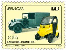 """Emissione dedicata al tema comune """"il veicolo del portalettere"""", personalizzate con disegni di alcuni mezzi postali in dotazione a Poste Italiane, in epoche diverse. Raffigurati due veicoli a quattro ruote, uno moderno (quadriciclo elettrico """"Free Duck"""") e uno d'epoca."""