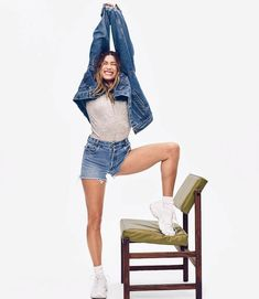Celebrity Outfits, Celebrity Style, Rebel, Justin Bieber Smile, Hailey Baldwin Style, Celebs, Celebrities, Green Jacket, Her Style