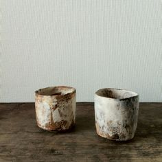 Small cups by Nikaido Akihiro, from Utsuwa Kenshin gallery, now on.  二階堂明弘さんのうつわです。