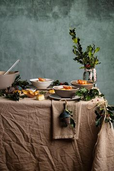 Food Rings Ideas & Inspirations 2017 - DISCOVER Crema de langostinos by Raquel carmona Discovred by : a. Cooking Photography, Food Photography Styling, Food Styling, Christmas Food Photography, Xmas Food, Deco Table, Winter Food, Food Design, Raw Food Recipes
