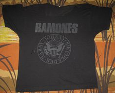 rare vtg 1989 RAMONES t-shirt NYE CONCERT 89 nyc PUNK ROCK BAND TOUR must see!