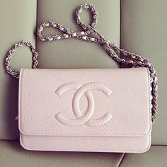 A(z) 60 legjobb kép a(z) Chanel táblán a35b971af5