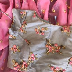 Pink organza saree with silver border paired with silver blouse with thread work on it. Wedding Saree Blouse Designs, Simple Blouse Designs, Stylish Blouse Design, Saree Blouse Neck Designs, Blouse Patterns, Embroidery Patterns, Hand Embroidery, Organza Saree, Thread Work