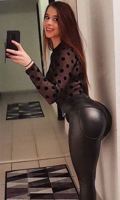 More lovely ladies showing off their sexy asses in tight leather clothing and other shiny/leather-look garments: . Leather Dresses, Leather Pants, Leather Outfits, Katie Melua, Katrina Bowden, Pretty Babe, Skirt Leggings, Glamour, Wearing Black