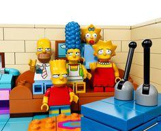 Os Simpsons em um episódio feito de Lego