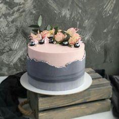 Mai aise bhi nai baat karugi safina kyu aisa kar rahai ha yarr muhje kya horaha ha tuhje pata ha how can u see me like this 😔😔 plxx I am sorry Pretty Cakes, Beautiful Cakes, Amazing Cakes, Cupcakes, Cupcake Cakes, Cake Decorating Techniques, Cake Decorating Tips, Bolo Super Mario, Brithday Cake