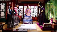 Dong Yi(Hangul:동이;hanja:同伊) is a 2010 South Korean historical television drama series, starringHan Hyo-joo,Ji Jin-hee,Lee So-yeonand Bae Soo-bin.About the love story betweenKing Sukjong, it aired onMBC.