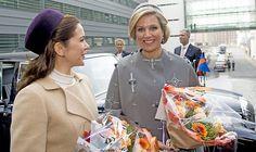 Koningspaar op staatsbezoek in Denemarken (fotoserie) -  Koningin Maxima (R) en prinses Mary tijdens het driedaags staatsbezoek van het koningspaar aan Denemarken. Beeld ANP