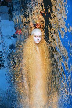 ♒ Mermaids Among Us ♒ art photography paintings of sea sirens & water maidens - Olga Valeska   Dark Beauty