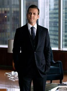 If you're a menswear enthusiast like us, you must watch these menswear shows. Suits Harvey, Harvey Specter Suits, Suits Tv Series, Suits Tv Shows, Gabriel Macht, Suits Usa, Mens Suits, Mens Fashion Blog, Suit Fashion