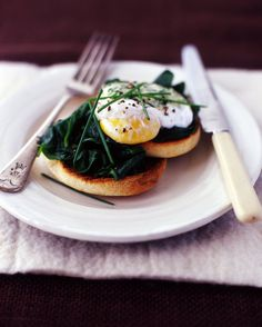 I make something almost identicle to this in the morning for breakfast only 225 cal.   I use those sandwich thinks and fresh spinach :)