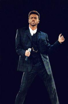 George Michael sur scène en 1993