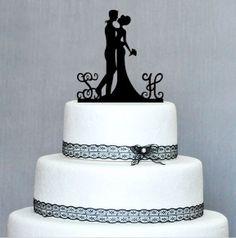 Topo de bolo a laser com iniciais!!!!  Cliente pode mudar a cor se desejar!!!!!