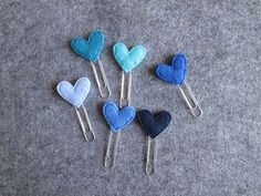 Paper Clips Diy, Paper Clip Art, Paper Hearts, Felt Hearts, Paperclip Bookmarks, Felt Bookmark, Felt Cupcakes, Baby Shower Crafts, Felt Gifts