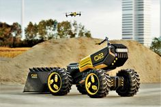 Volvo CE unveils ZEUX: How a LEGO model designed with kids became a prototype for a real autonomous wheel loader Volvo, How To Lay Pavers, Paper Robot, Construction For Kids, Commercial Construction, Team Building Events, Military Gear, Lego Models, Nike Air Max Plus